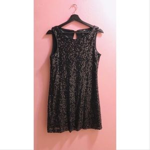 Dresses & Skirts - H&M Sequin Holiday Dress